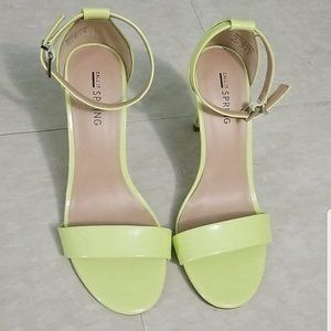 NWOT Call it Spring Ella Neon Heels